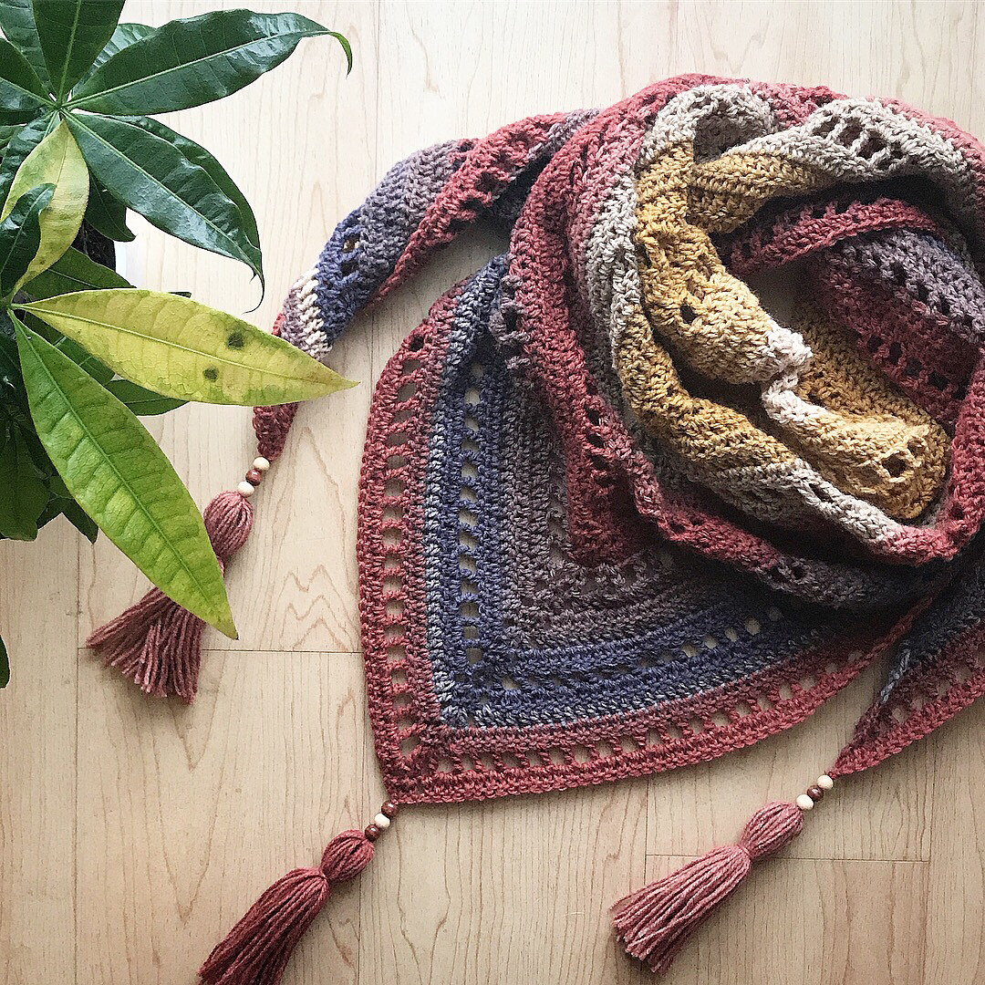 15 Perfect Handmade Crochet Gifts for Mother's Day | Free Yourself Shawl, TLYCBlog.com